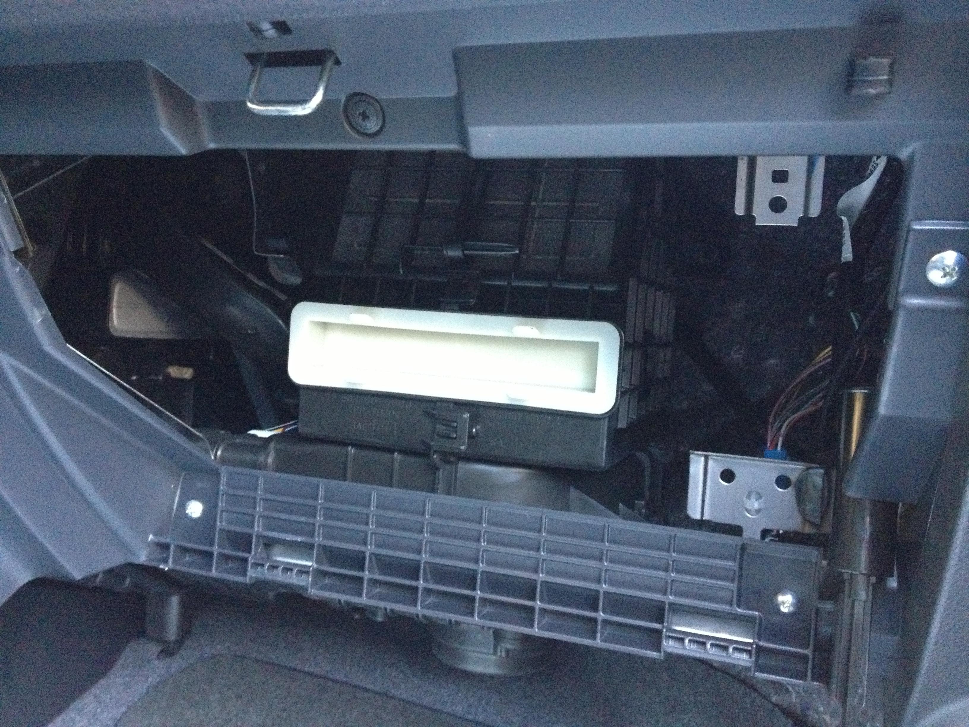 mice in cars ben 39 s blog. Black Bedroom Furniture Sets. Home Design Ideas